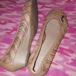 Shoes - Tan woven wedges